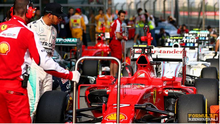 """L.Həmilton: """"Ferrari-yə getmək istəmirəm"""""""